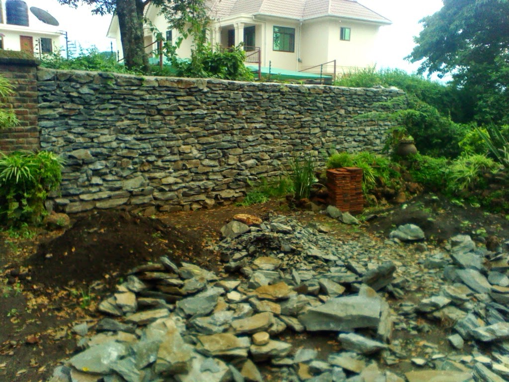 Dry Stack Big Block Retaining Wall