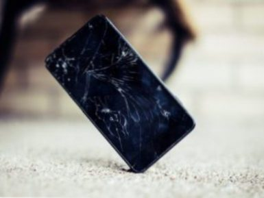 4 Ways To Fix A Cracked Cellphone Screen Repair